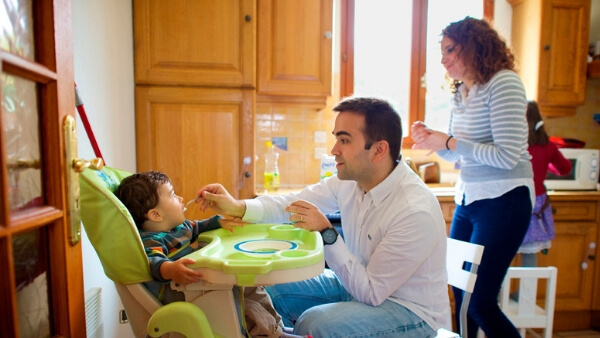 teach table manners to kids